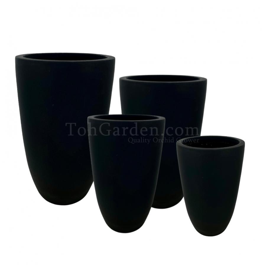 Black Iciclevio Fiberglass Pot