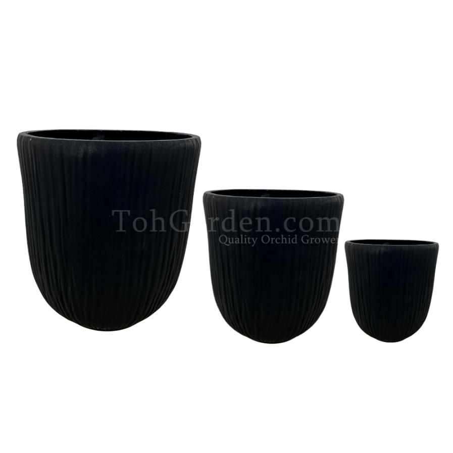 Black Potorzo Fiberglass Pot