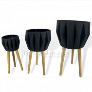 Black Quattuor Fiberglass Pot